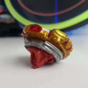 beyblade burst evolution spryzen requiem s3 photo combo rouge or hasbro pas cher